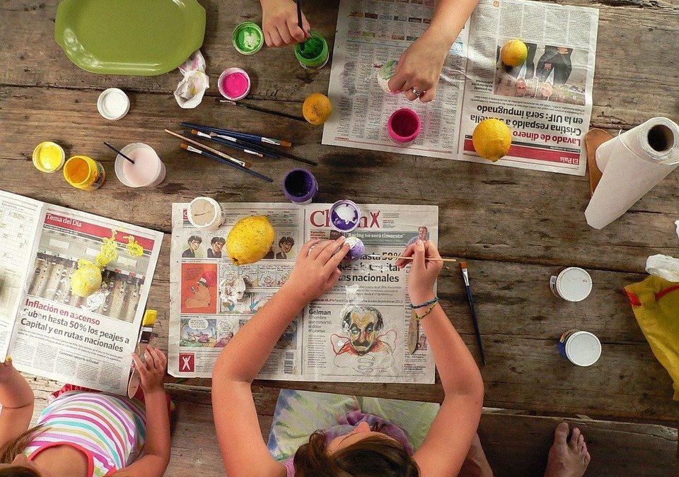 Manualidades que se pueden hacer con niños para decorar el hogar
