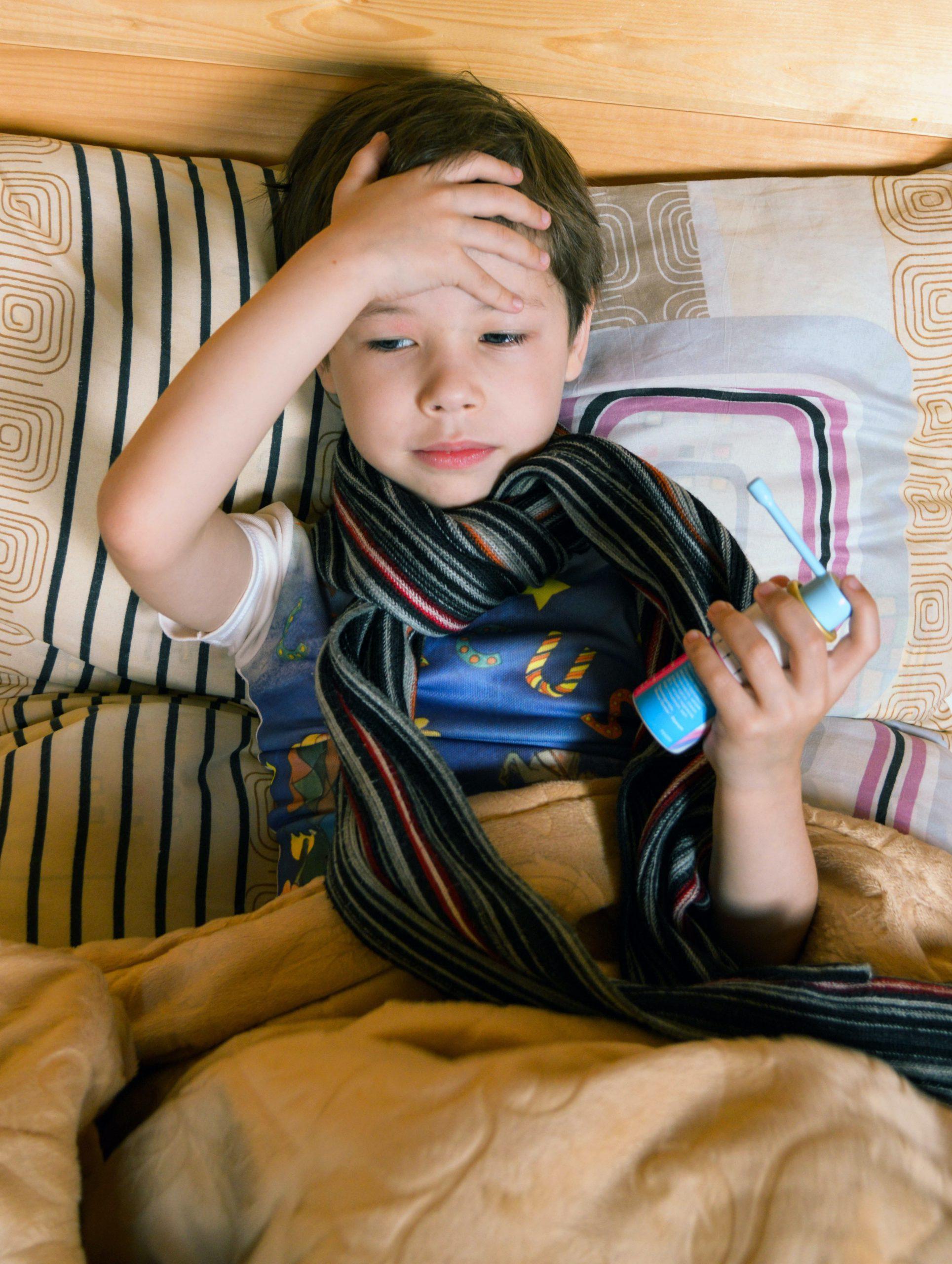 Trucos para curar golpes en la cabeza de bebés
